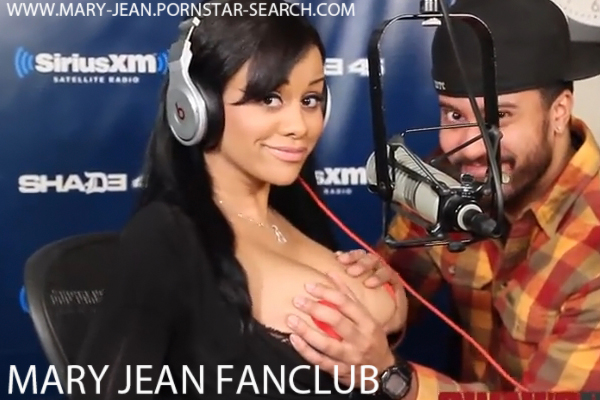 Porn Star Mary Jean Gives Fellatio Tips on School of Sex with Tracy G - Click here !